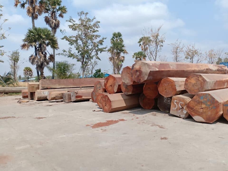 caa1ec329d3e64603d2f - Kệ thờ treo tường bằng gỗ