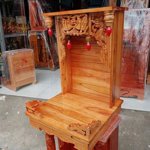 2 39 - Mẫu bàn thờ thần tài gỗ xoan